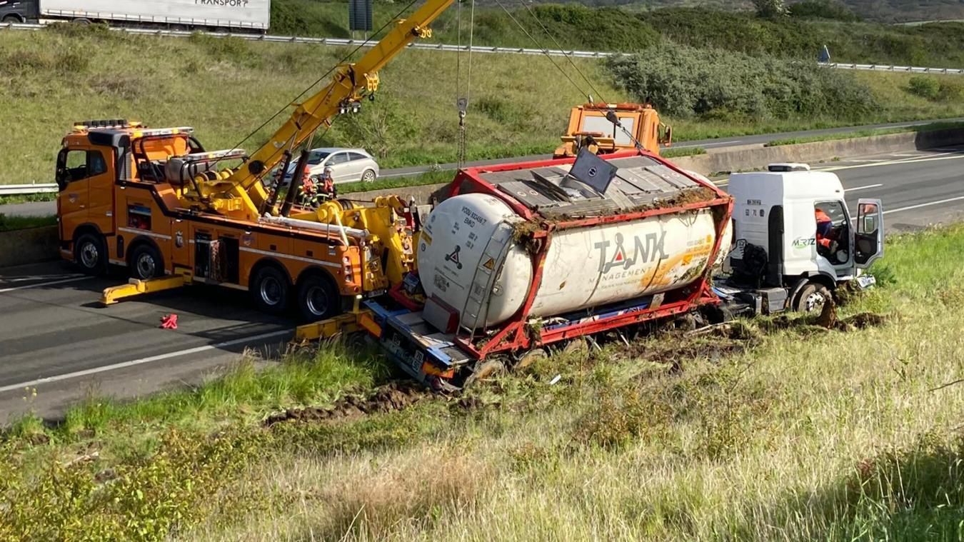 L'accident a eu lieu vers 5h ce matin sur l'A16, à hauteur de Wacquinghen.