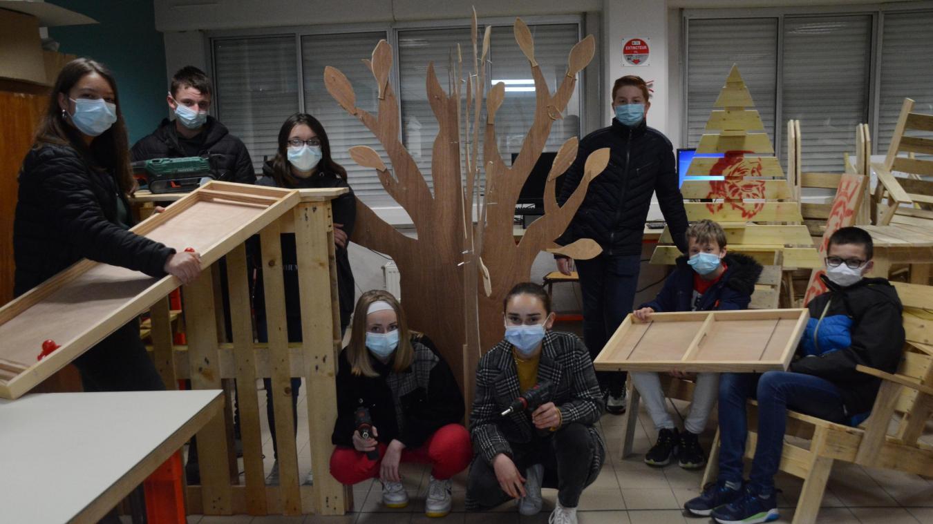 Les élèves ont choisi de fabriquer des jeux en bois.
