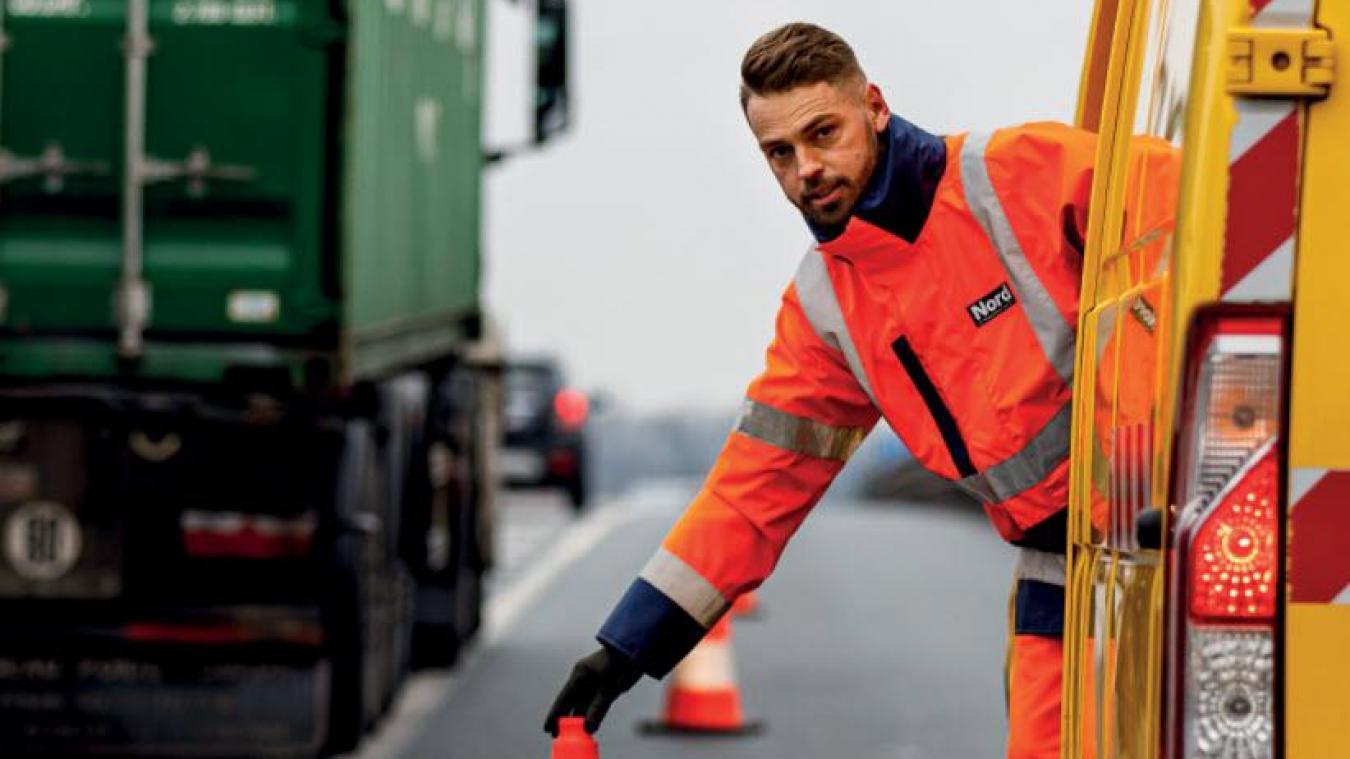 De par leurs missions, les agents d'entretien de la voirie départementale sont exposés à des risques inhérents à la proximité de la route.