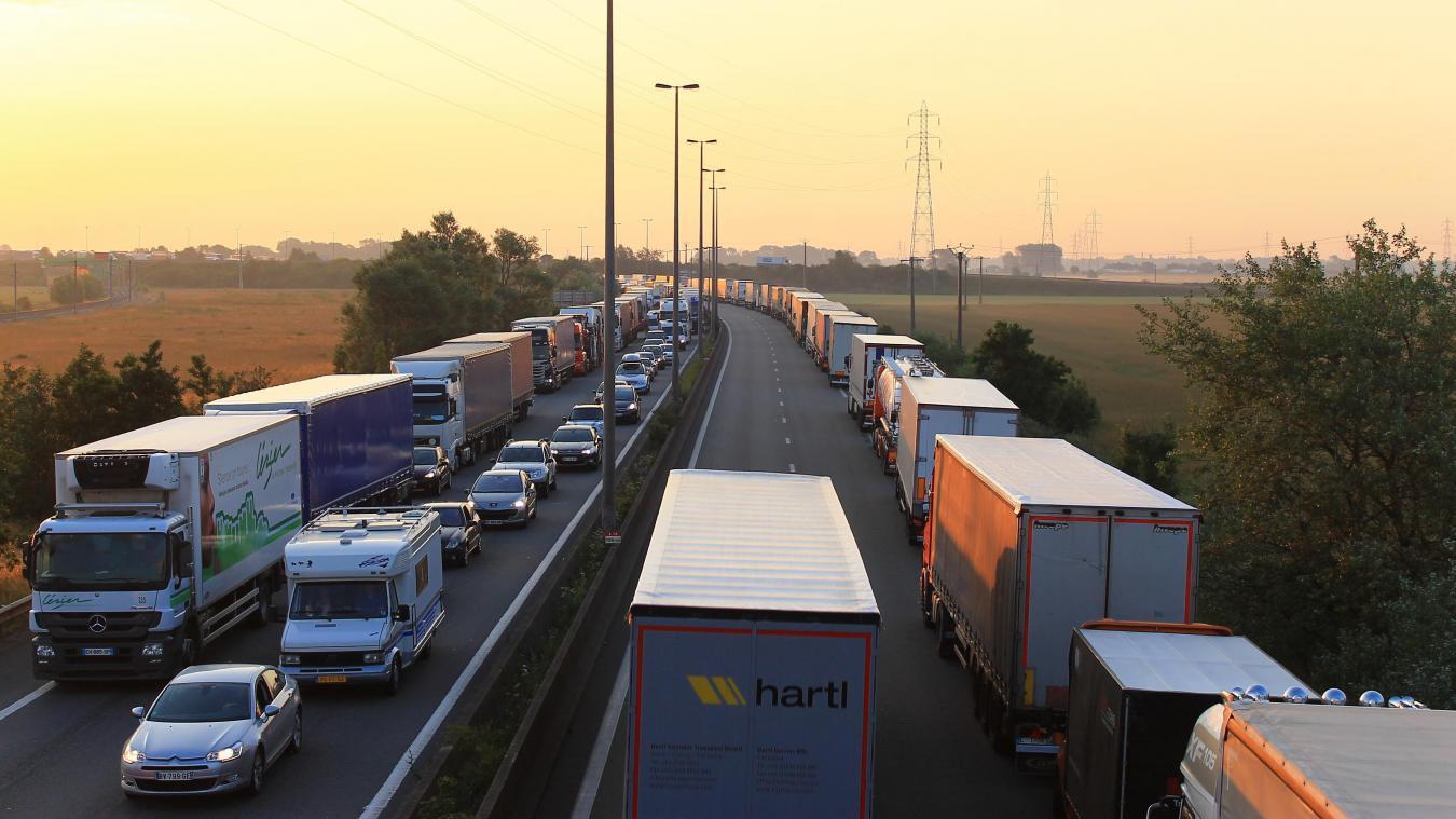 Des travaux sont prévus une grande partie du mois de juin. Les deux sens de circulation, entre Calais et Dunkerque, sont concernés.