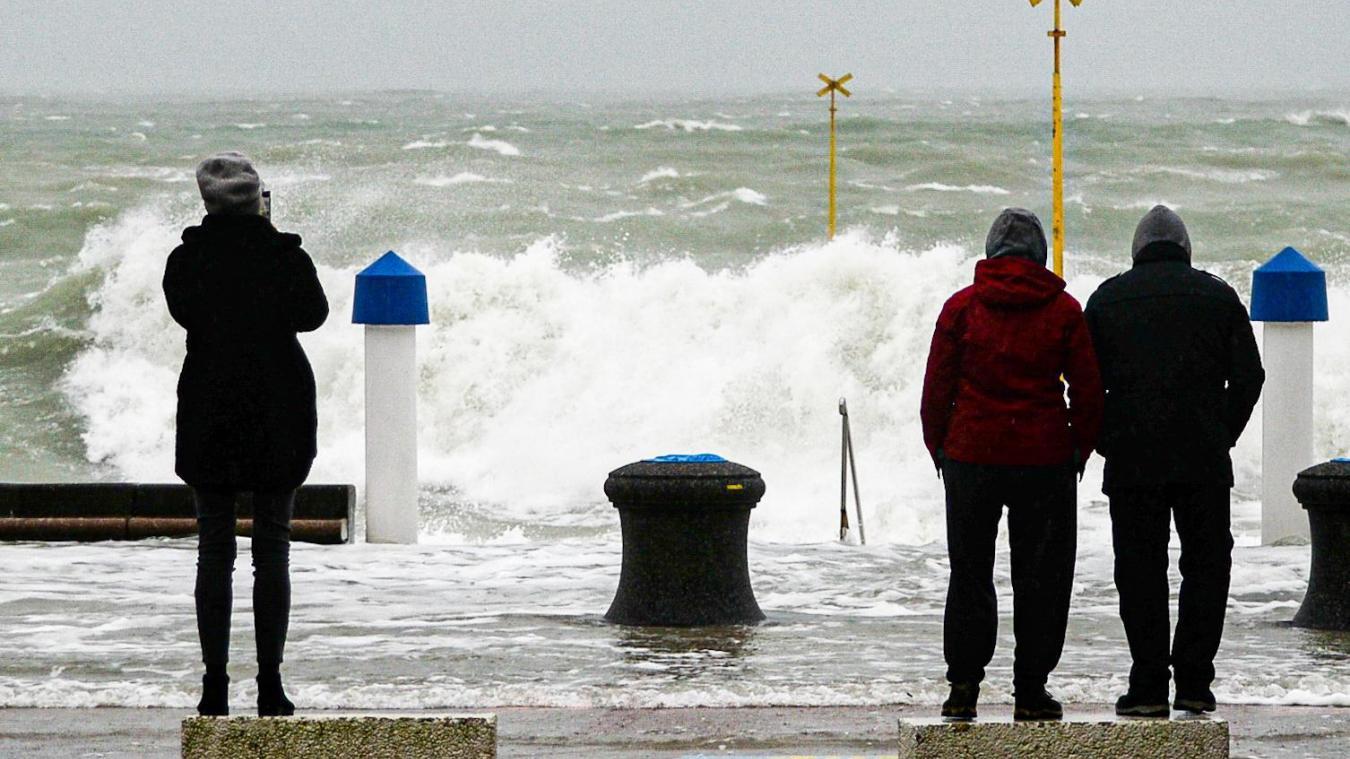 Ces forts coefficients de marée peuvent attirer de nombreuses personnes sur le littoral de la façade maritime de la Manche et de la mer du Nord.