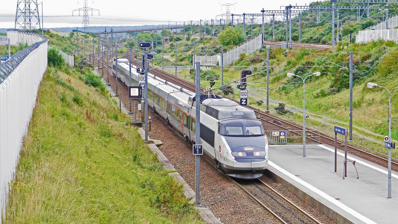 Le TGV de l'opération Sardine a quitté la gare de Calais-Fréthun le 26 mai 2001 à 16h30