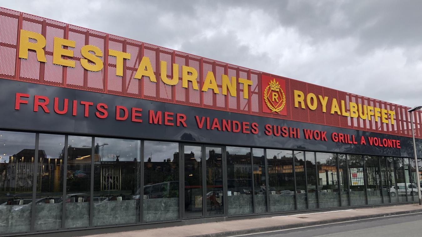 La famille Jiang ouvre le royal buffet, un restaurant avec de la cuisine du monde entier à Saint-Pol-sur-Mer.
