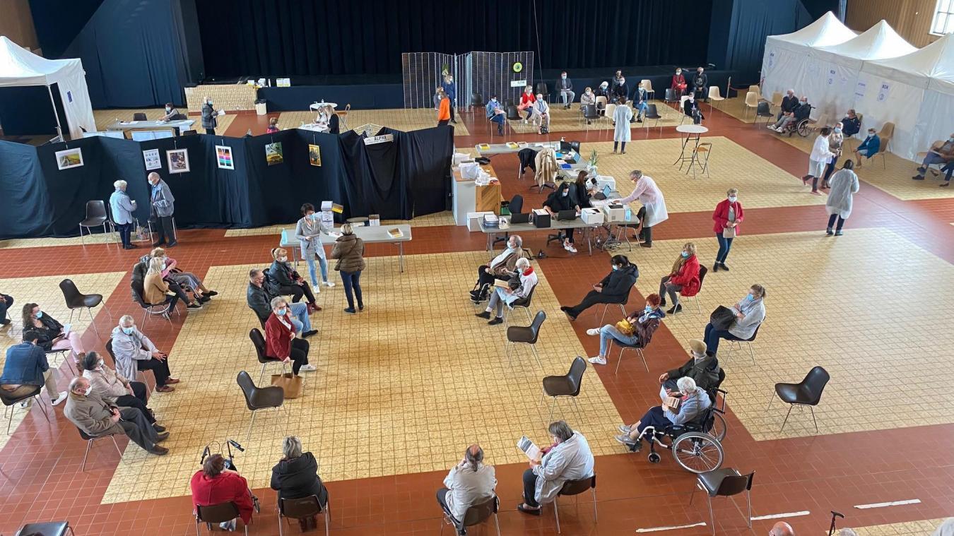 Au centre de vaccination à Hazebrouck, la cadence augemente encore.