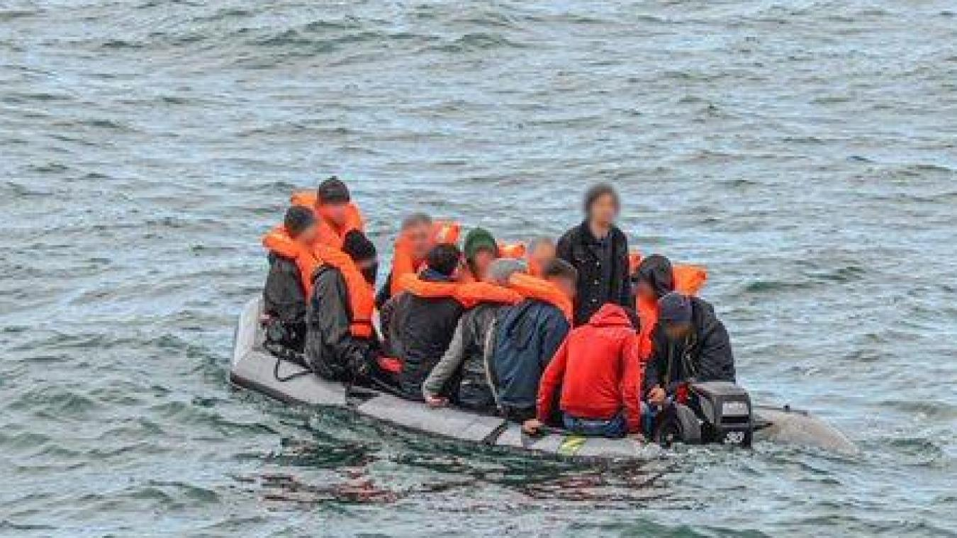 L'embarcation de sept migrants a été secourue et ramenée au port de Boulogne.