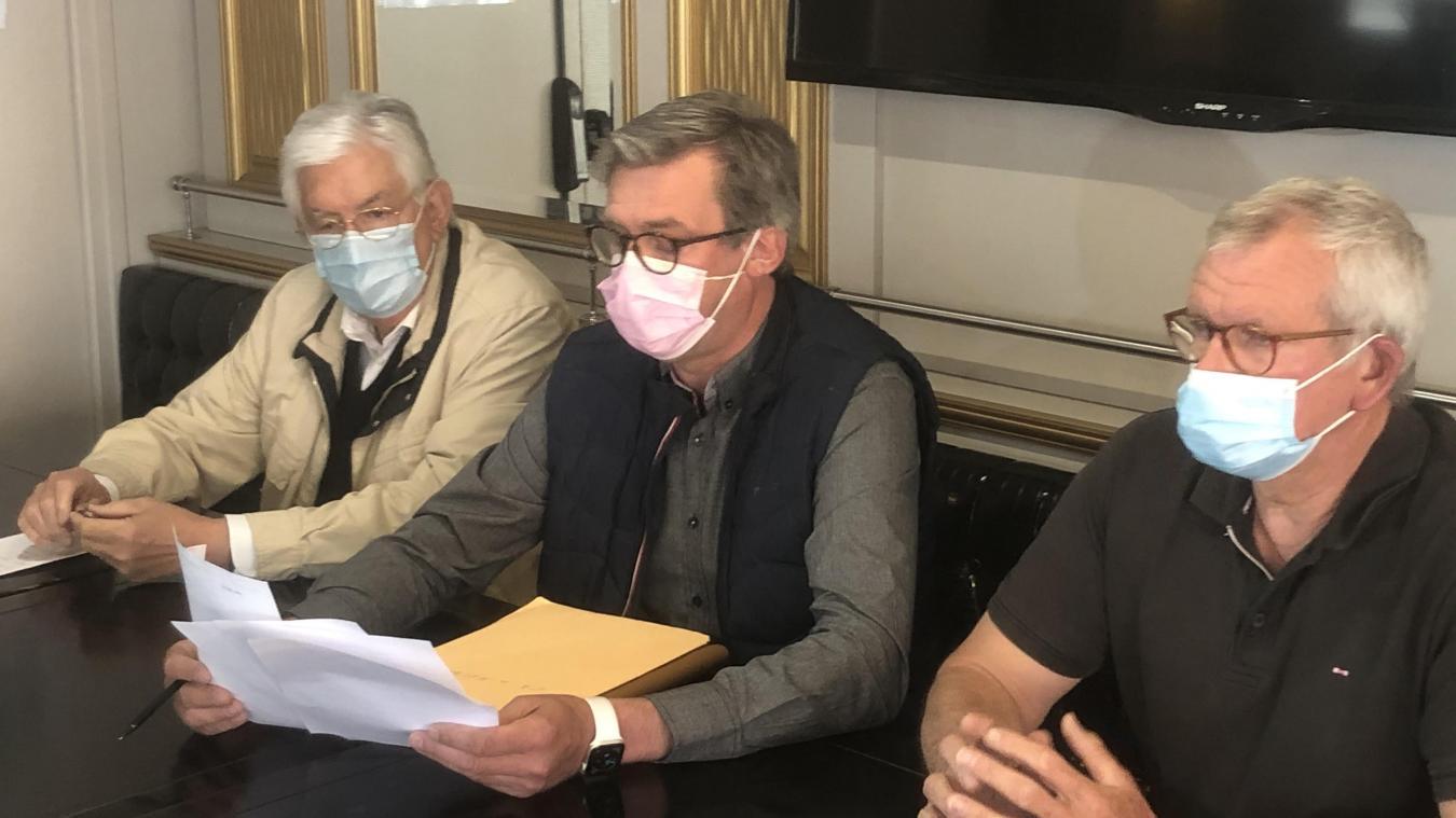 Hervé Lefebvre (à gauche), président local de l'UMIH, et Patrice Haultcoeur, représentant des hôteliers, ont beaucoup d'inquiétudes pour le tourisme calaisien suite à la décision d'imposer un «isolement obligatoire» aux resortissants du Royaume-Uni.