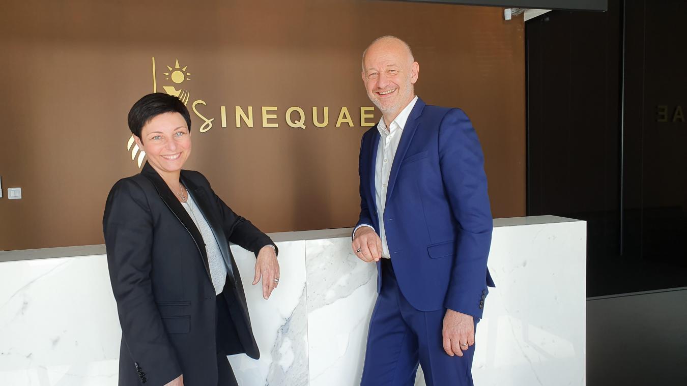 Les huissiers de justice Barbara Sérednicki, directrice juridique de Sinequae et Hervé Marcotte-Ruffin, président de la société.