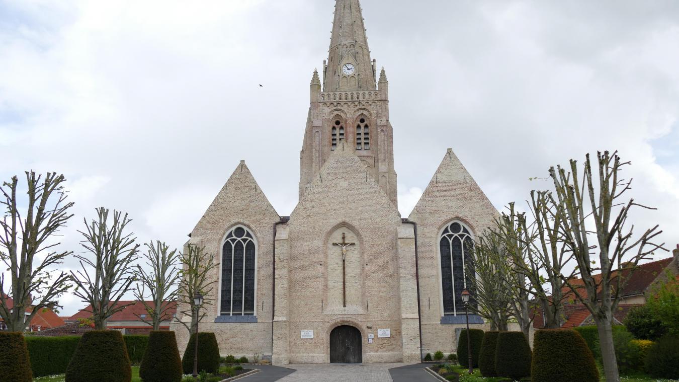 Le retable de la Vierge de l'église de Warhem vient juste d'être rénové.