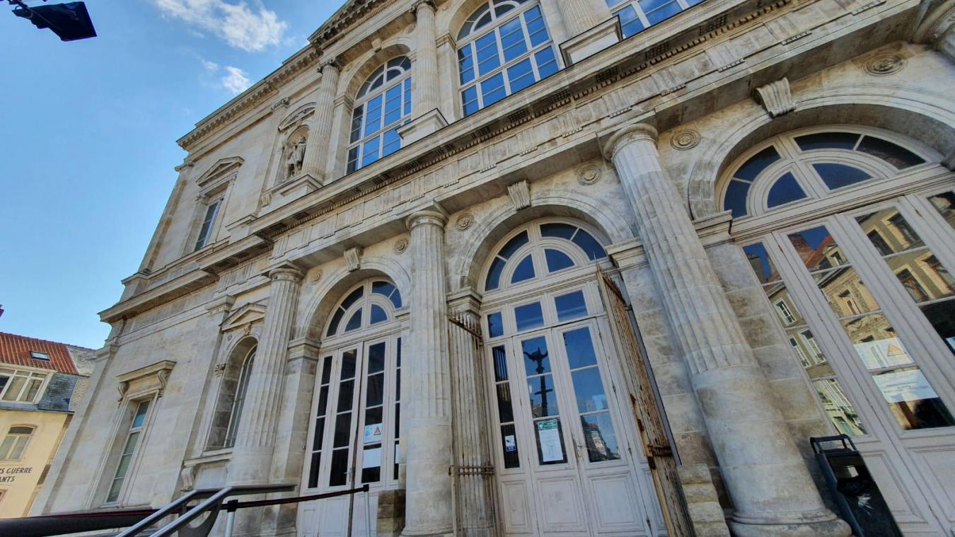 Des échauffourrées avaient éclaté autour du tribunal de Boulogne-sur-Mer.