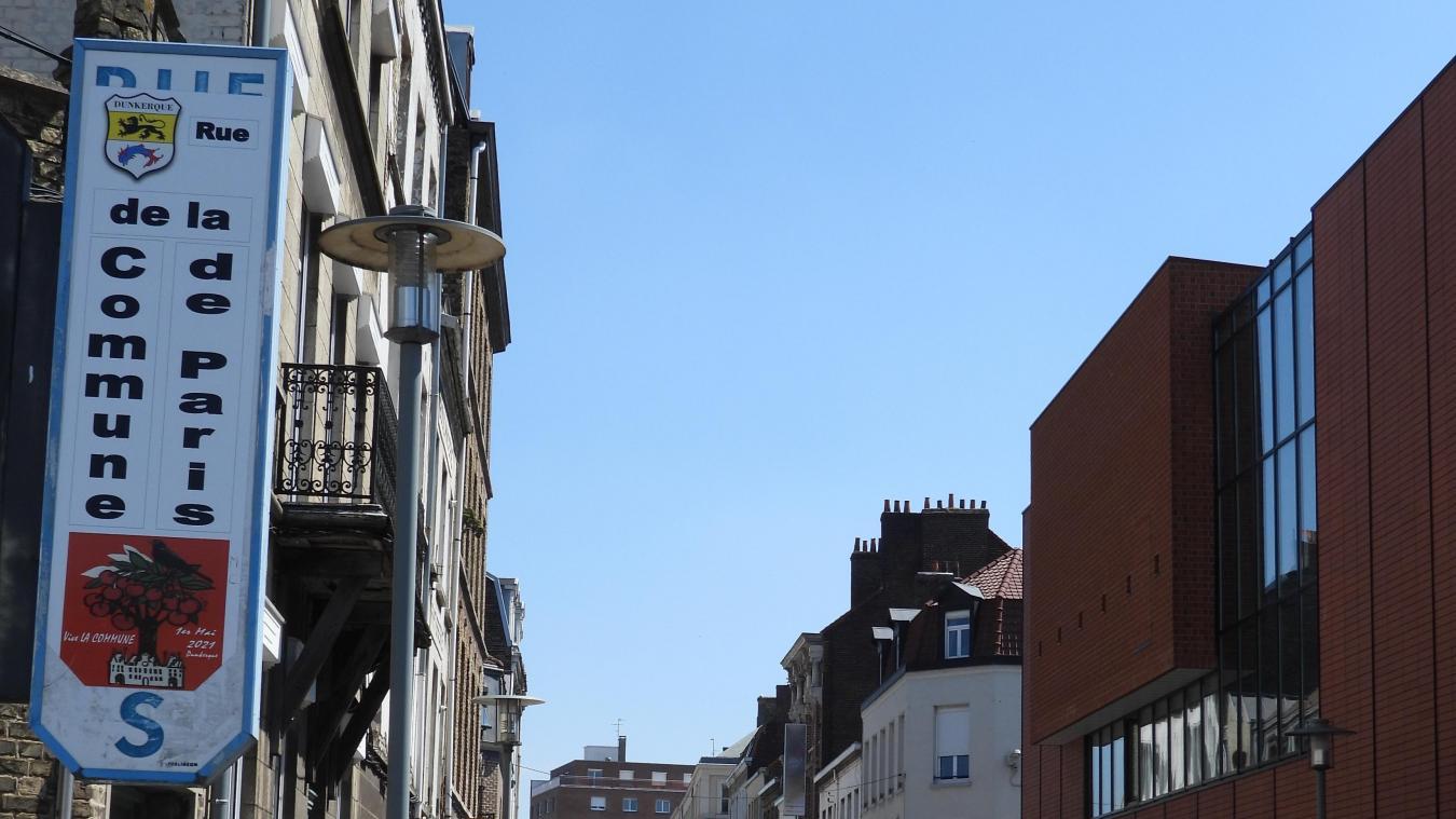 Depuis la fin de semaine dernière, le panneau d'entrée de la rue Thiers a été recouvert.