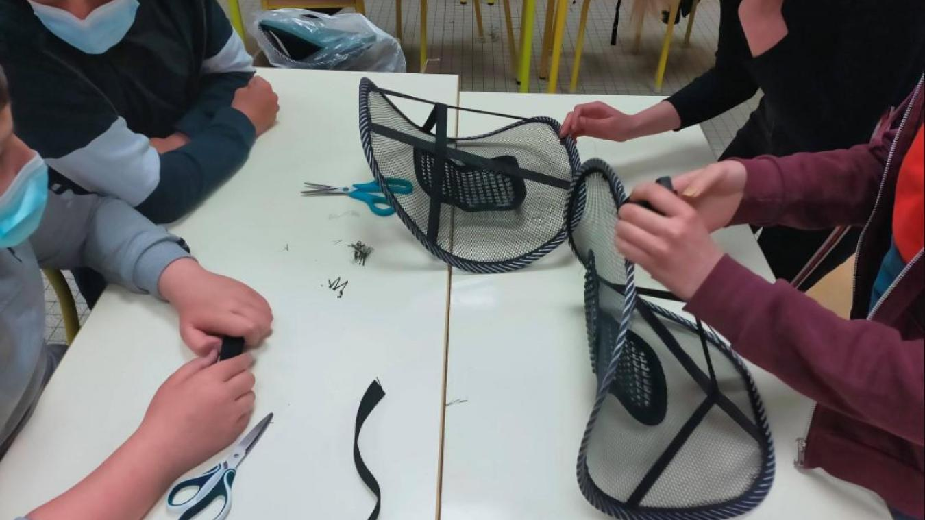 Des élèves de 3 ème  du collège Vadez à Calais ont travaillé cette année sur un projet de dossier contre le mal de dos.