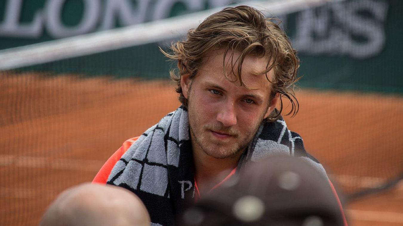 Le tennisman de Loon-Plage s'est incliné face au 92e mondial. Lucas Pouille ne pourra pas se confronter à Novak Djokovic au 2e tour.