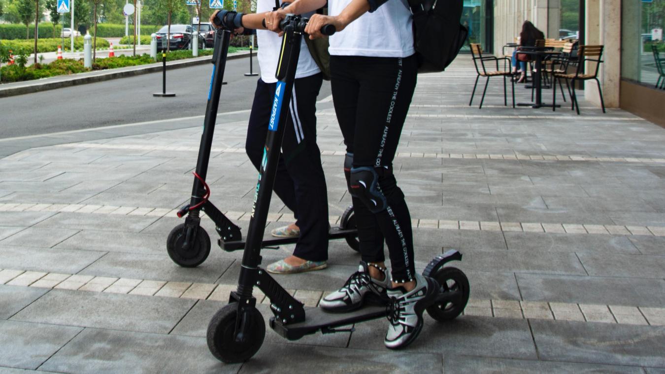 Trottinette, rollers ou skate seront les moyens de transports utilisés pour cette visite. (Photo d'illustration / © Marat Mazitov on Unsplash)