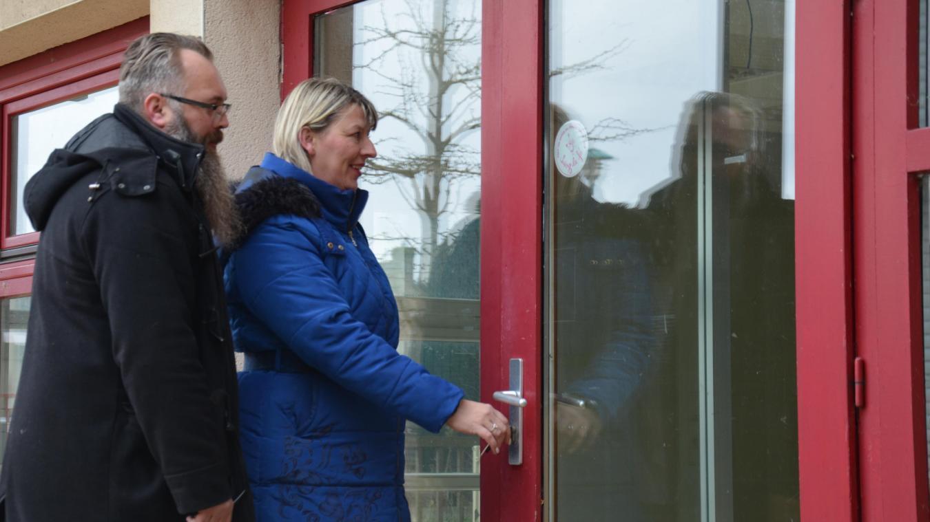 Sarah et Ludovic sont heureux d'annoncer l'ouverture de leur salon de thé, prévue pour début juillet, à Zuydcoote.