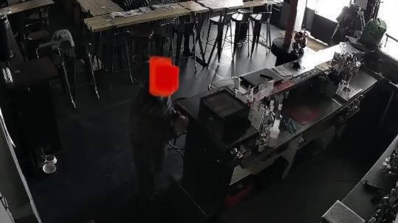 Saint-Omer : il diffuse une photo de son voleur sur Facebook