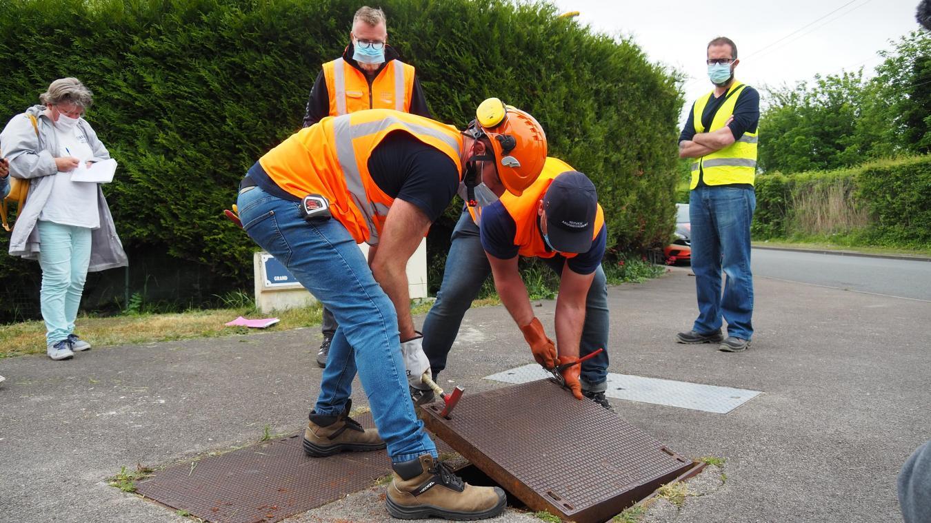 Ce jeudi, les équipes du service assainissement de Grand Calais ont vérifié tout le réseau au Pont-du-Leu.