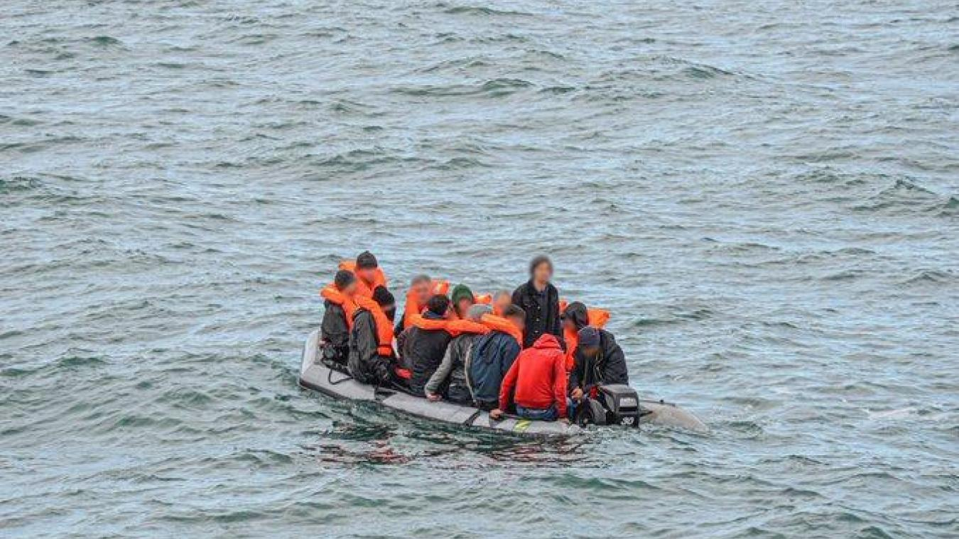 Une trentaine de migrants tombés à l'eau sauvés au large d'Ambleteuse