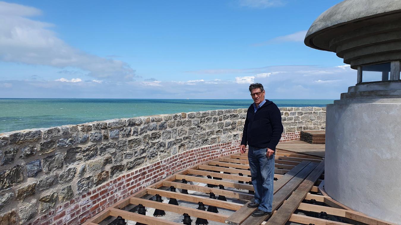 La terrasse a été entièrement refaite pour éviter les fuite, le parapet du monument historique a aussi été restauré, explique Jean-Yves Méreau.