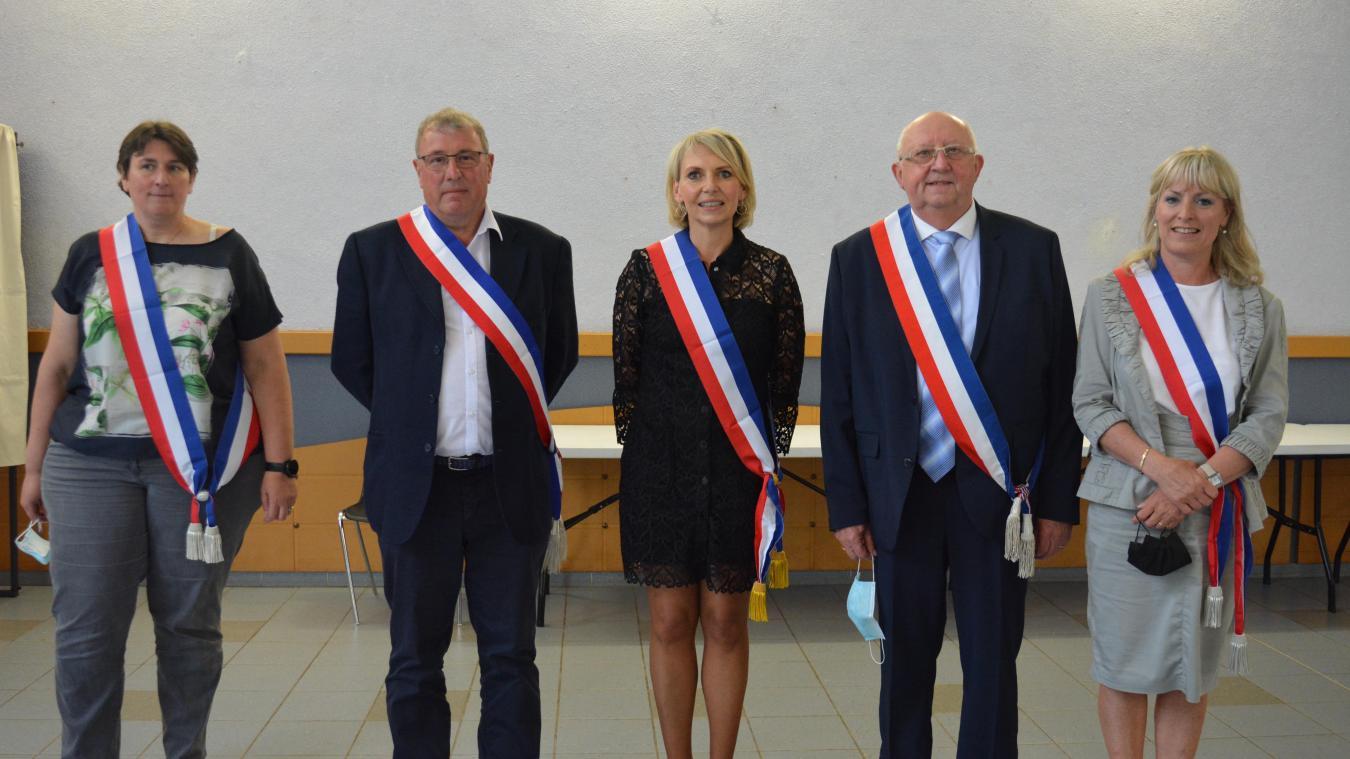 Agathe Wersinger, Pierre Wynne, Sophie Duby (maire), Jacques Buttin et Christine Lienard ont été élus par le conseil municipal, vendredi 4 juin.