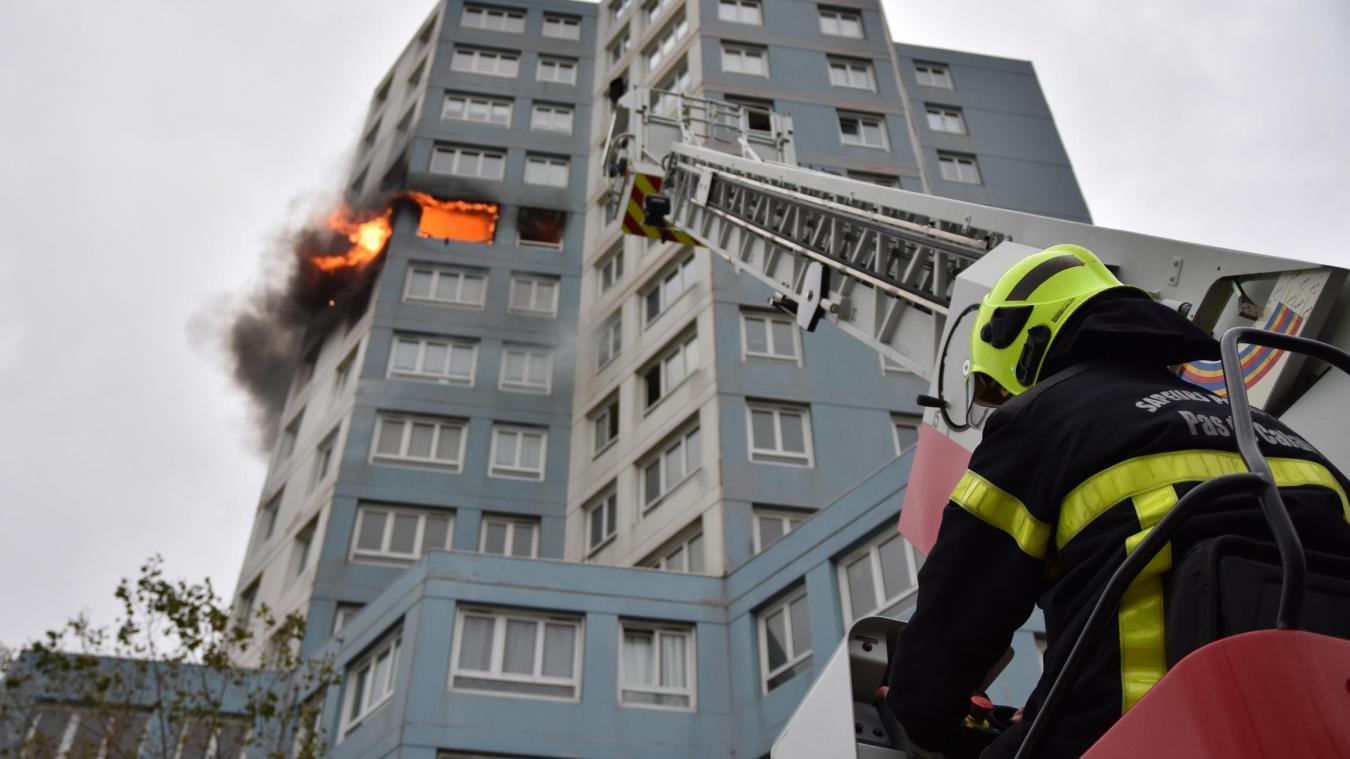 L'incendie avait ravagé un appartement le 17 novembre. Archives Vincent Labroy SDIS62