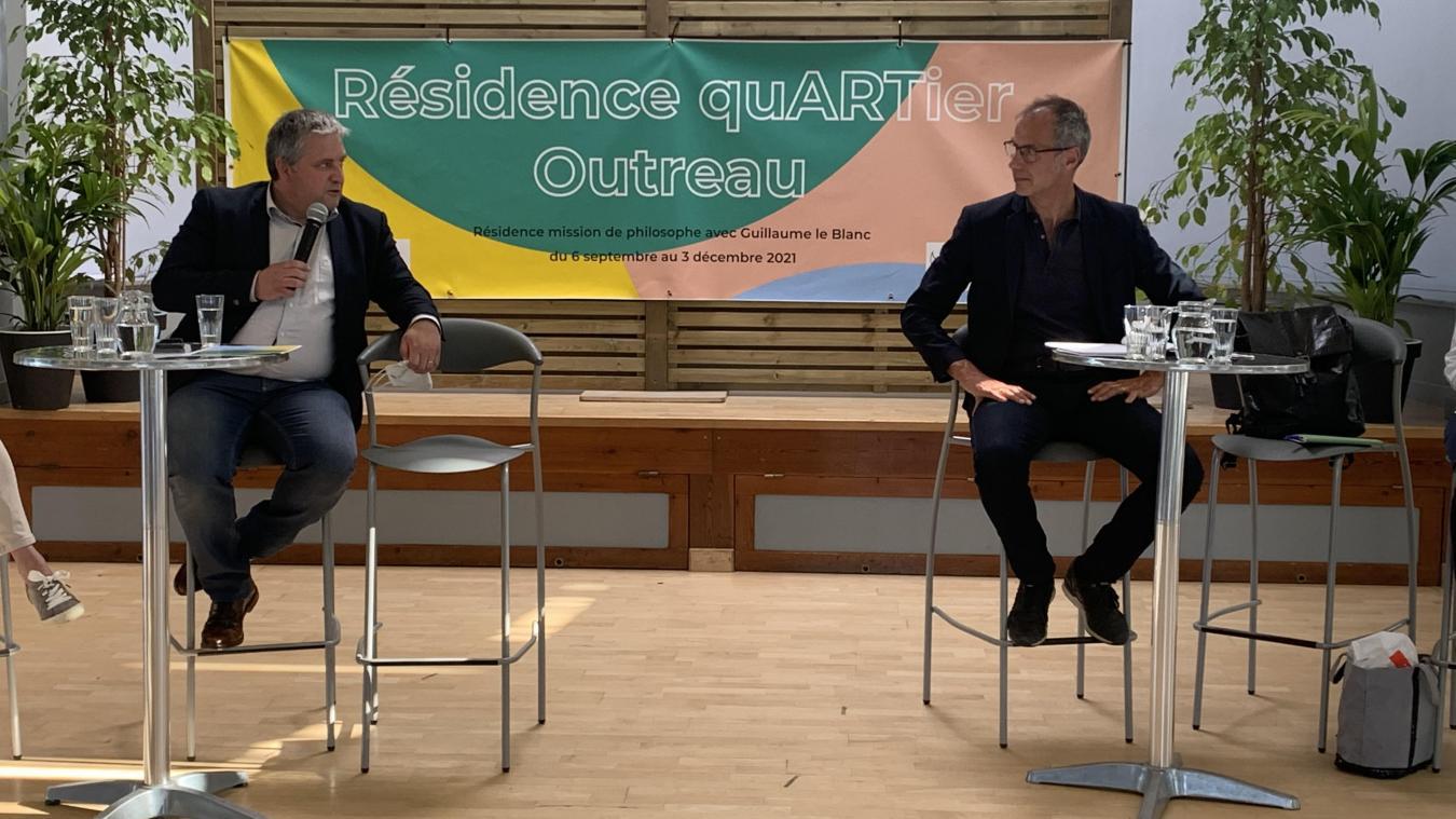 Le philosophe Guillaume Le Blanc a passé la semaine à Outreau pour y rencontrer les élus et les divers responsables d'association.