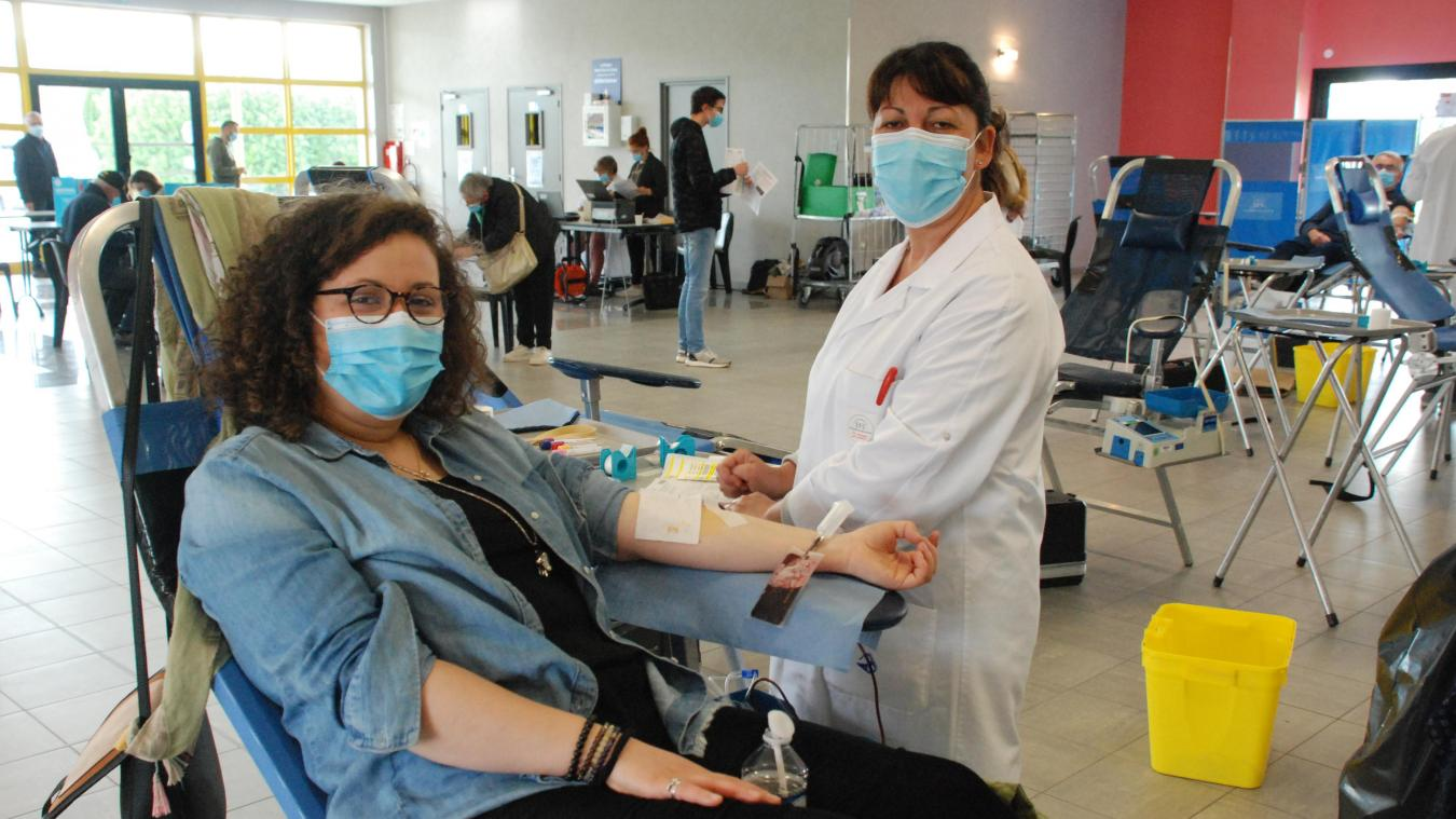 Jeunes et moins jeunes peuvent donner leur sang pour les autres.