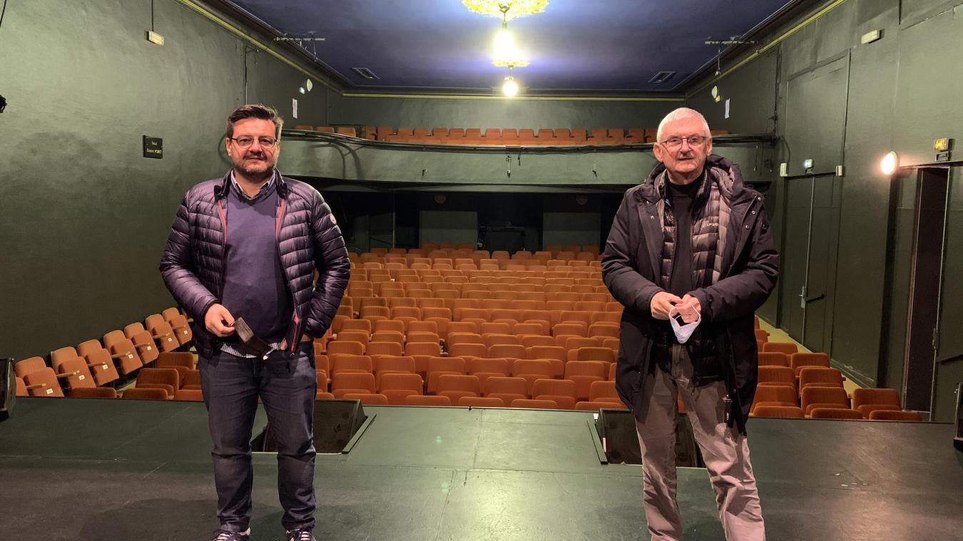 Rodolphe et Alain Pillisser, coauteurs de la Revue, rongent leur frein comme les artistes de la troupe.