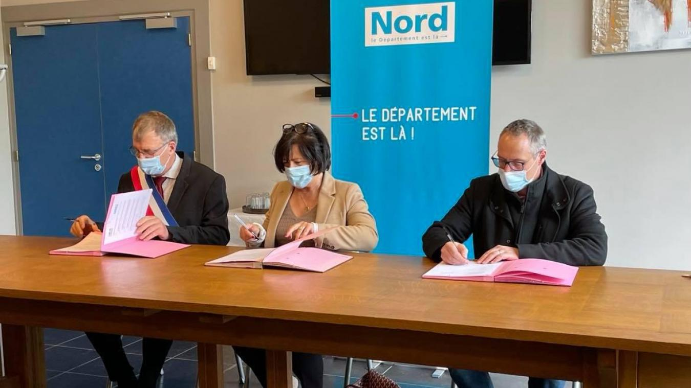 Geneviève Mannarino s'est déplacée à Wormhout pour signer la convention de lutte contre l'isolement.