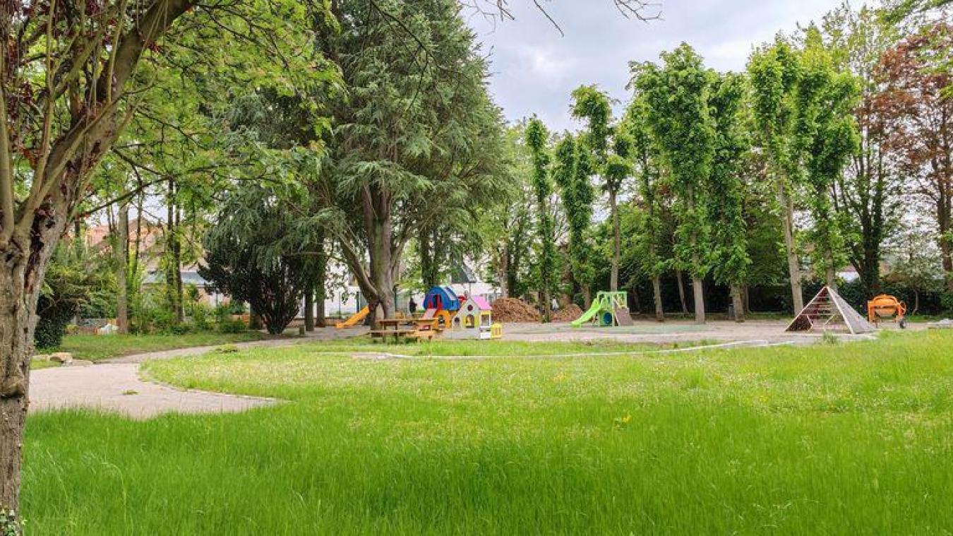 Une aire de jeux pour les enfants, un parcours sportif, un jardin des senteurs sont à découvrir.