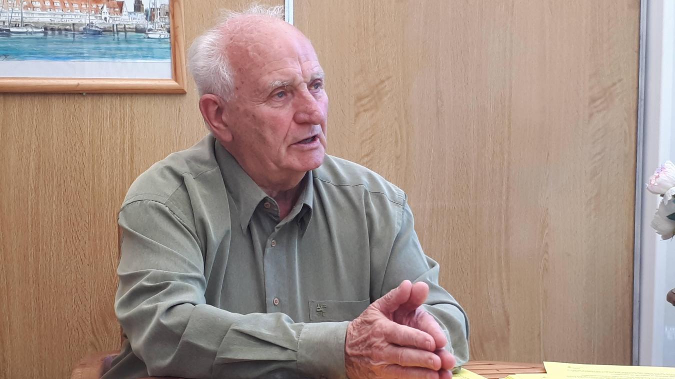 Serge Peron est entré au conseil municipal de Marck en 1971. Il a été maire de Marck-en-Calaisis de 1995 à 2014.