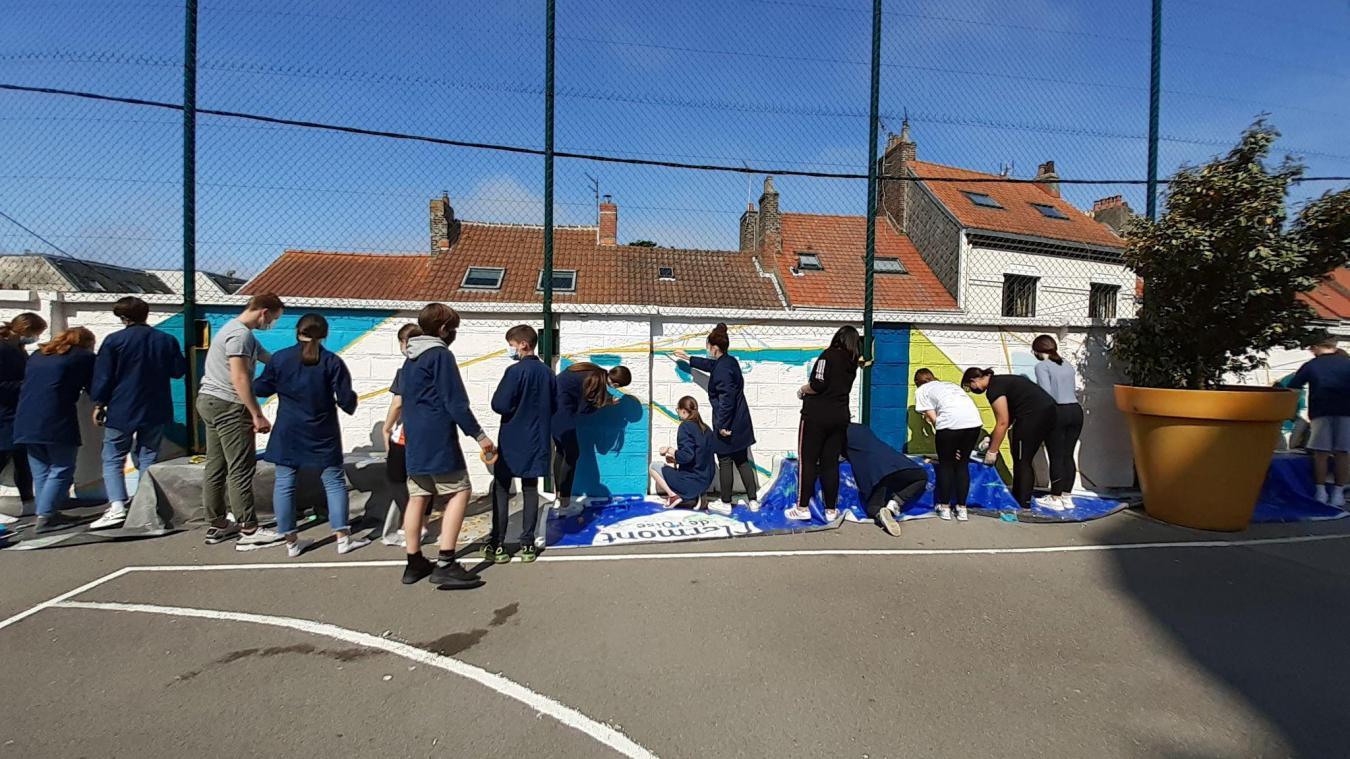 Boulogne: «Faites le mur» avec Tio Balouz, un projet collaboratif mené avec le collège Haffreingue