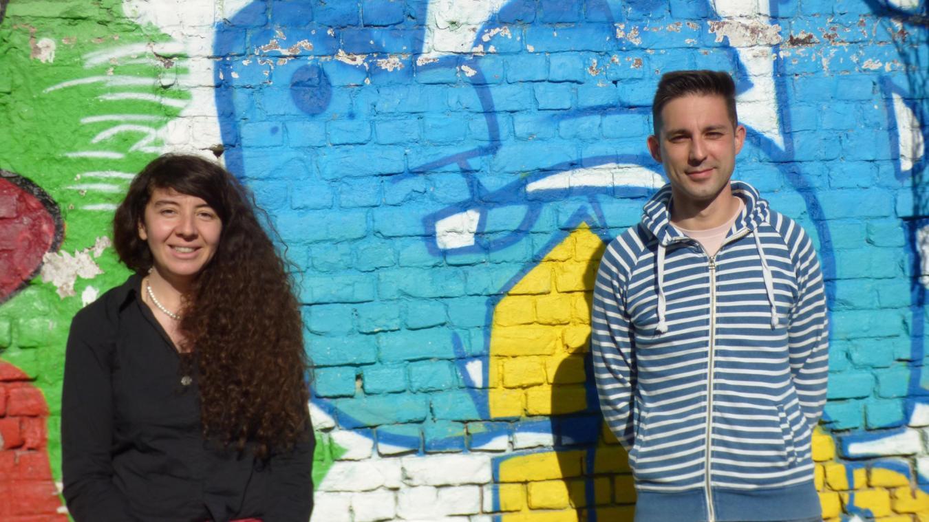 Nora Errazi et Bastian Wailly proposent aux jeunes de s'accomplir dans une mission de service civique.