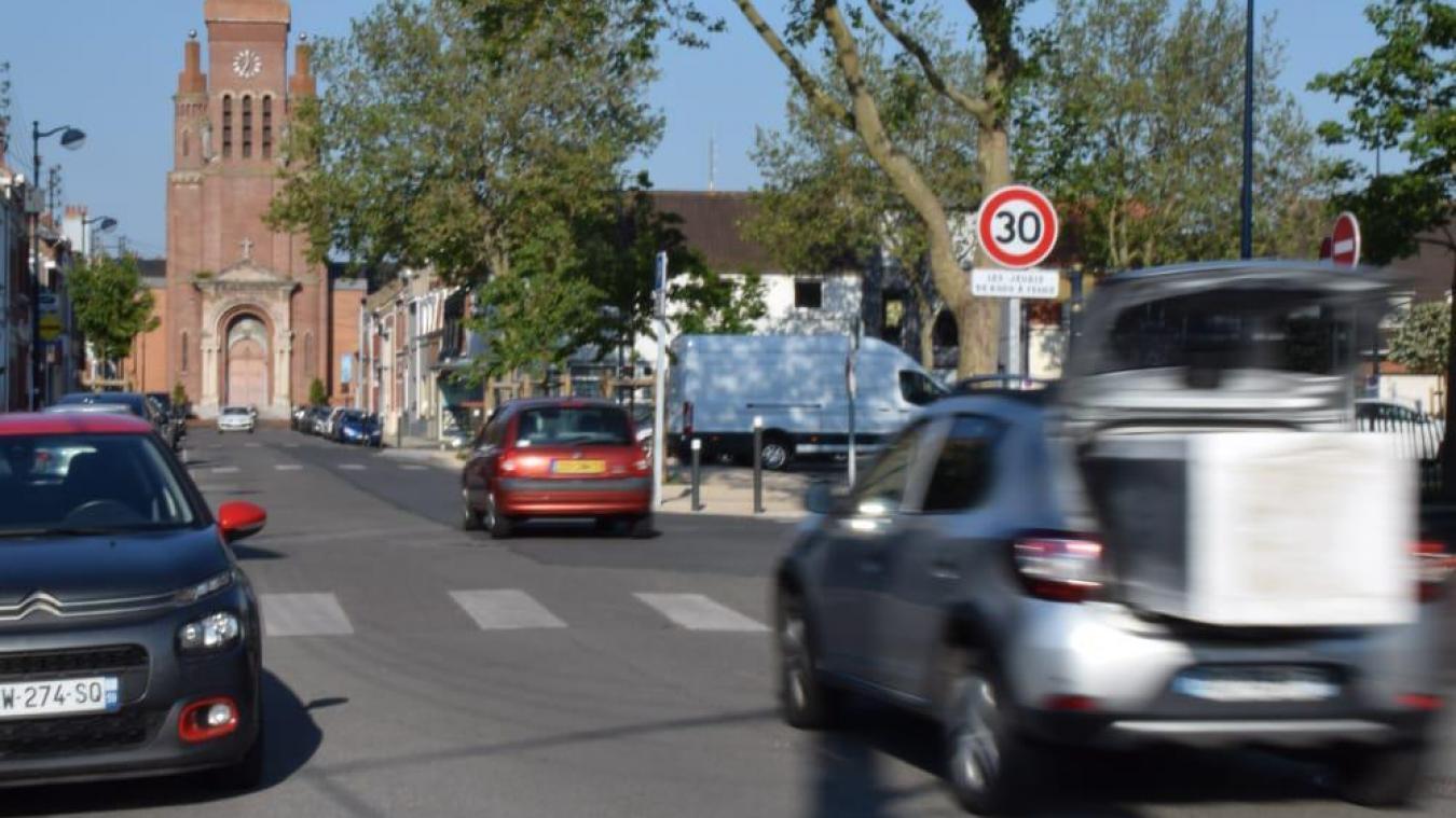 La place Louis-XIV, à Petite-Synthe, fait partie des zones qui ont retenu l'attention des élus en raison de la vitesse de certains véhicules.