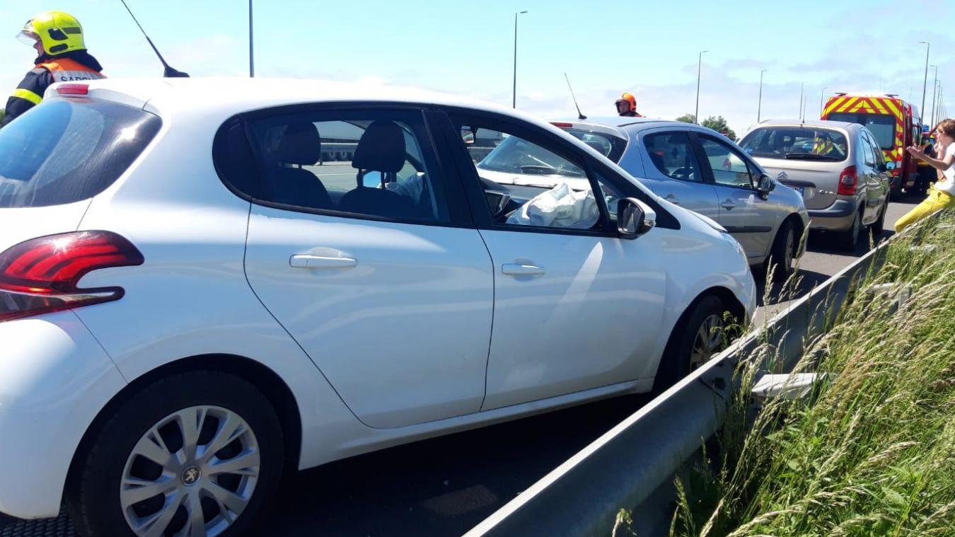 Ce jeudi, vers 14h, trois véhicules qui circulaient sur l'autoroute A16, dans le sens Calais – Boulogne, sont entrés en collision.