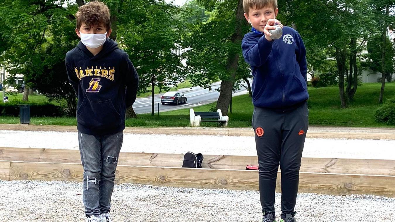 Mattenzo (à gauche) et Théo (à droite) se préparent à partir à Marseille en juillet prochain.
