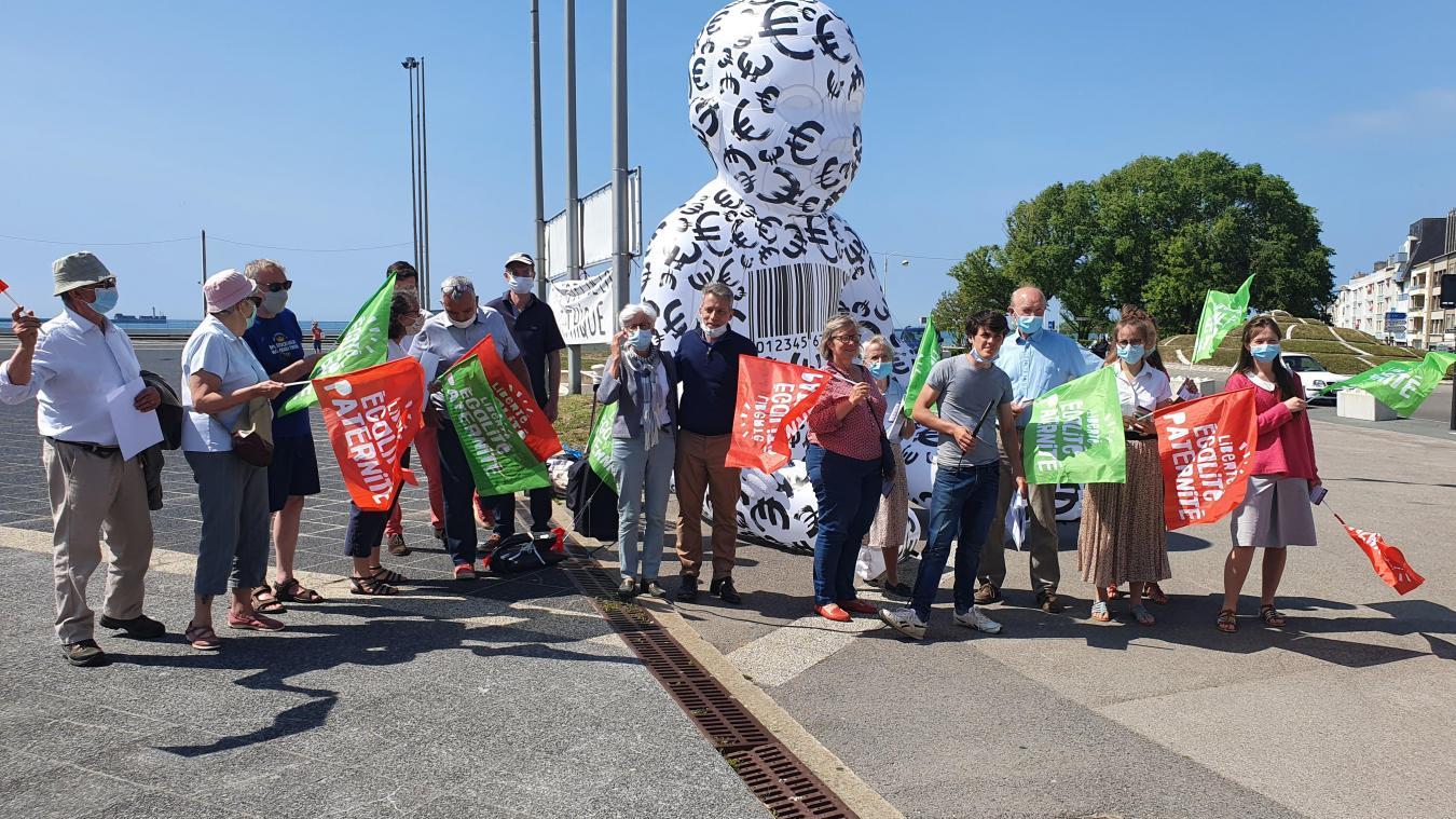 Ils étaient un peu moins d'une vingtaine à être venus manifester sur le boulevard Sainte-Beuve.
