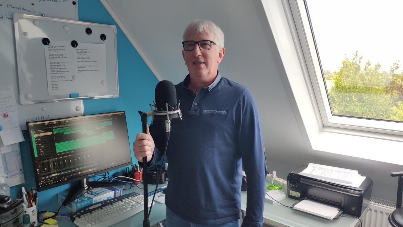 Un home-studio pour préparer ses chants.