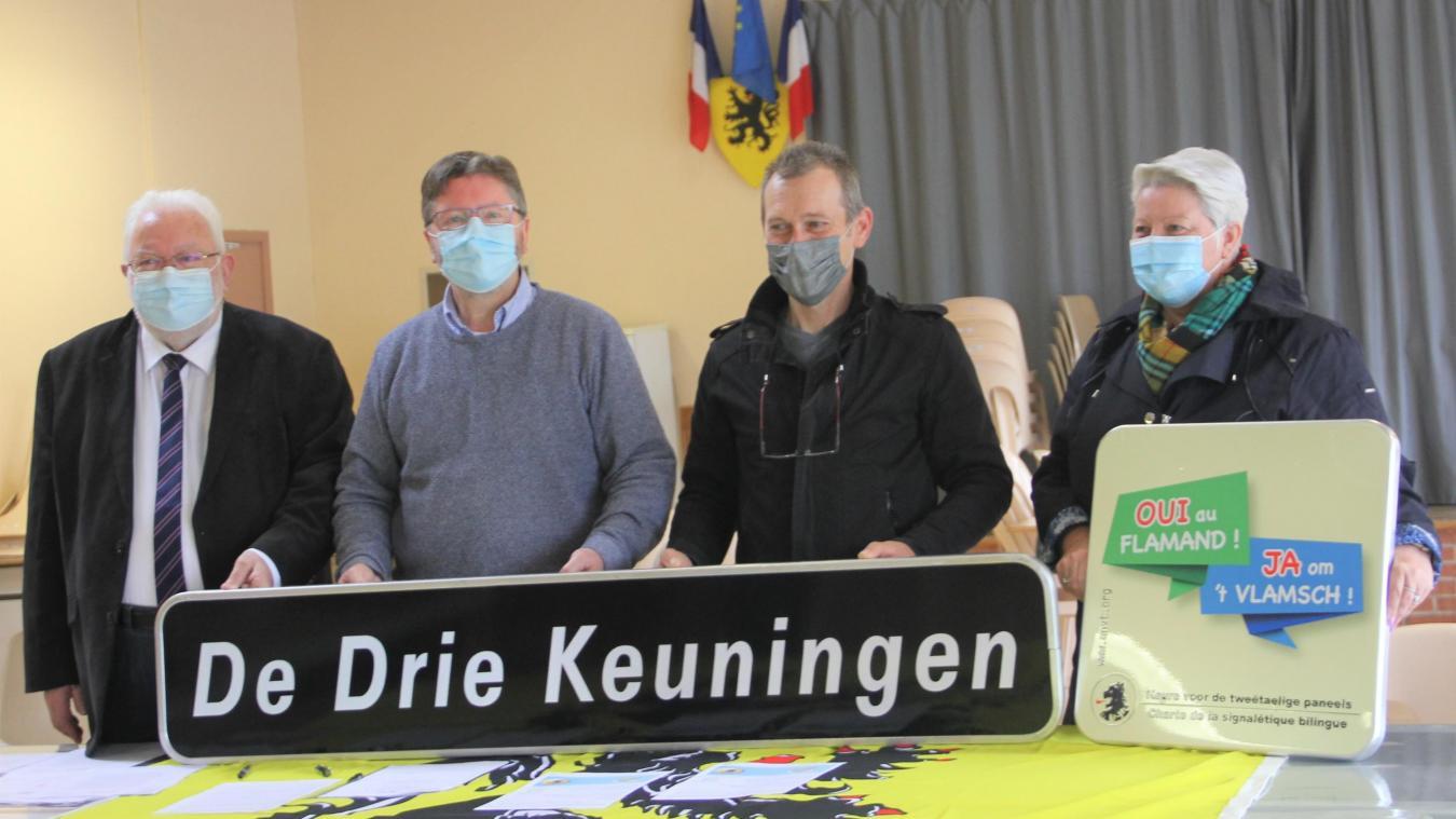De gauche à droite : Jean-Pierre Decool, Jean-Paul Couché, Serge Laconte et Valérie Vanhersel, signataires de la charte.