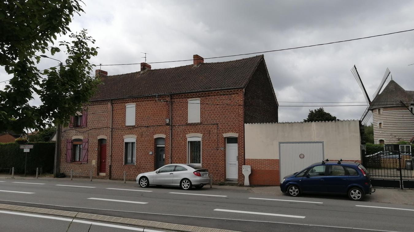 Le quartier de la Renaissance est situé à cheval sur les deux communes.