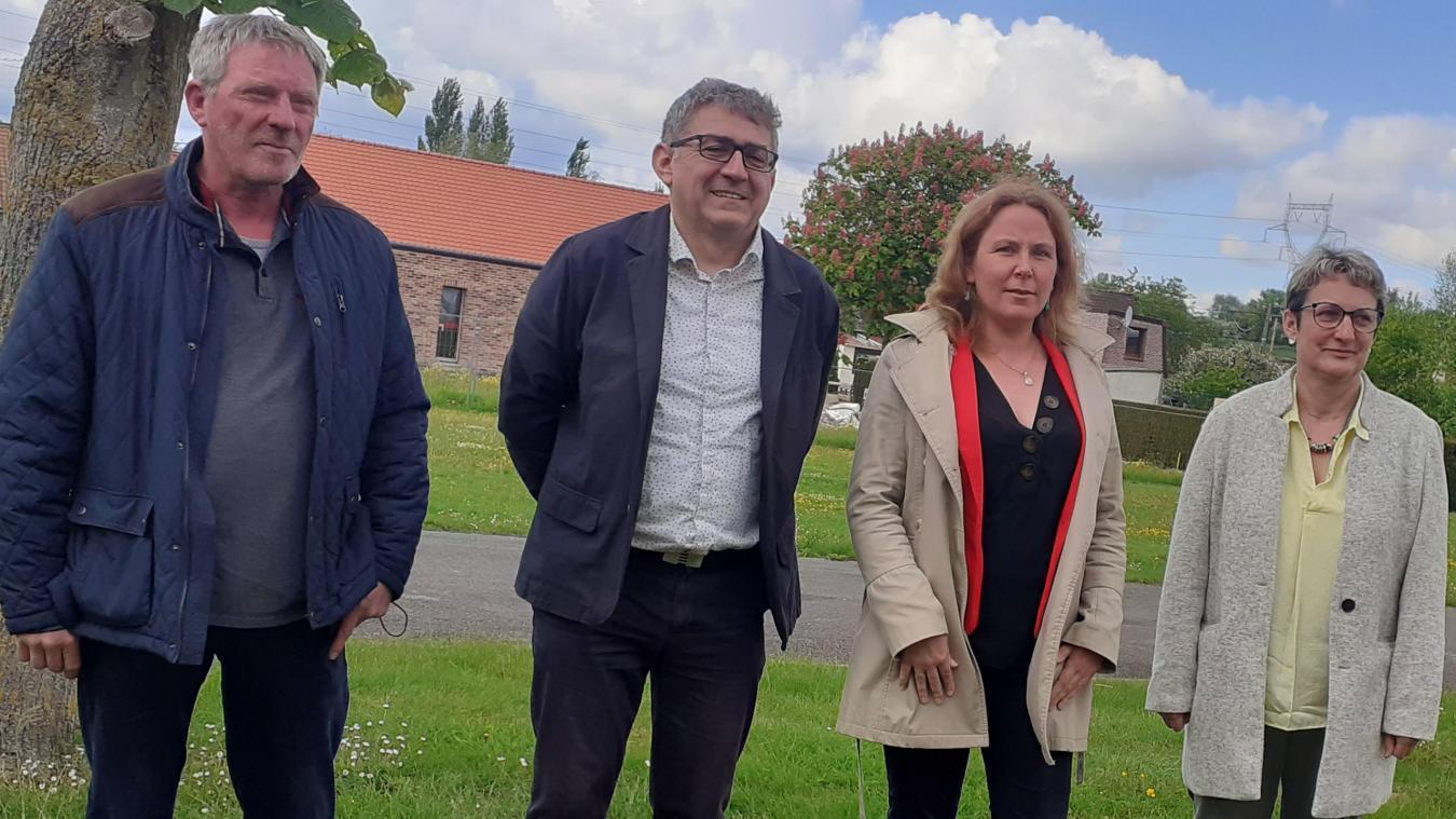 Guy Thimothé, Richard Noël, Céline Lecat et Véronique Lesage ont présenté leurs idées pour un « Canton d'Aire-sur-la-Lys solidaire, social et écologique ».
