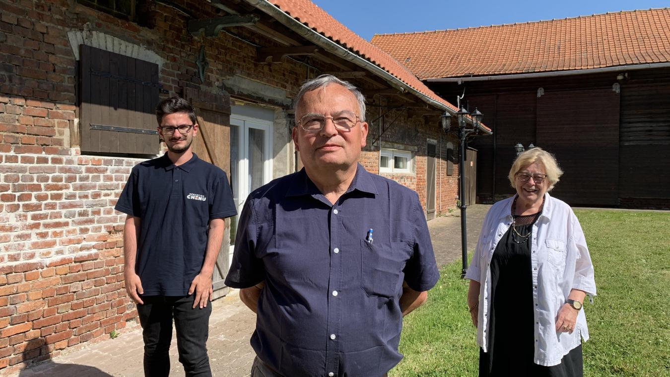 Didier Lejeune (au centre) et Ghislaine Vancauwenberghe (à droite) étaient déjà candidats pour le canton de Bailleul en 2015. Leurs remplaçants sont Charles Ruckebush (à gauche) et Christelle Goethals.