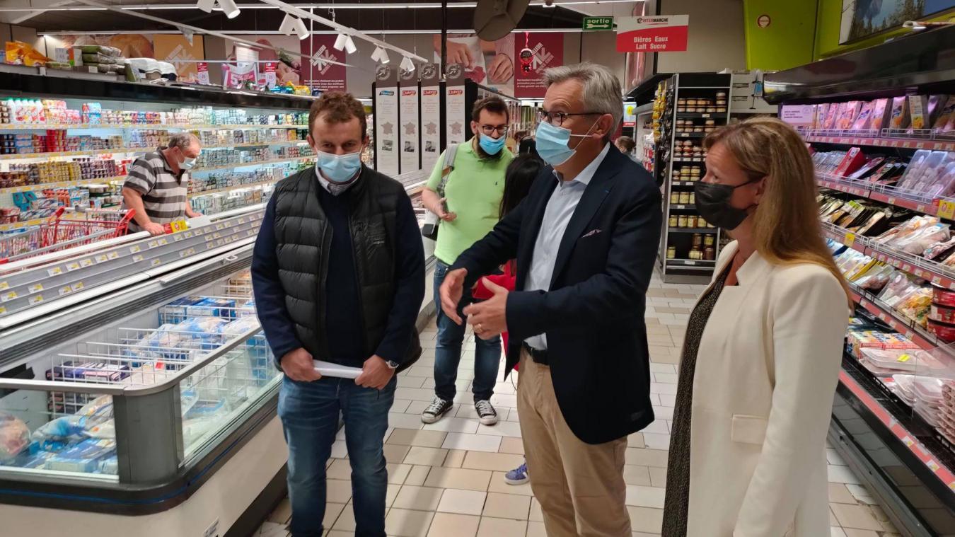 Lors d'une visite à Intermarché, le vendredi 11 juin, le maire de Gravelines a annoncé le lancement d'une pétition afin que la population puisse montrer son soutien.