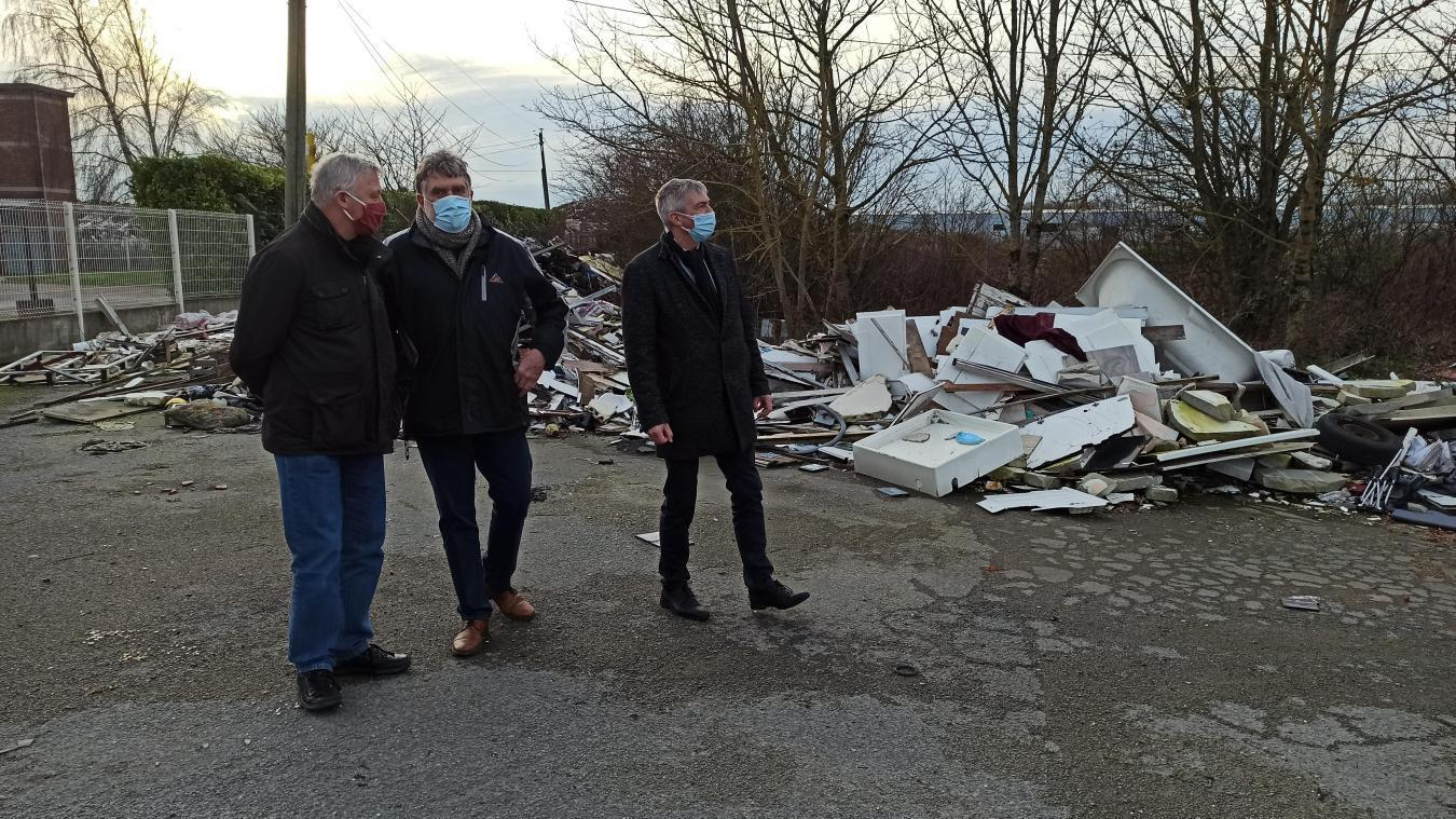 Sur les lieux, Yves Terlat, Nicolas Francke et Patrick Dauchez ne peuvent que constater les dégâts.