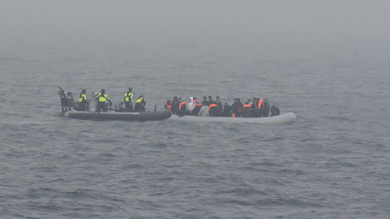 Une embarcation de 38 migrants a été récupérée au large de Leffrinckoucke ce vendredi. Photo Marine nationale