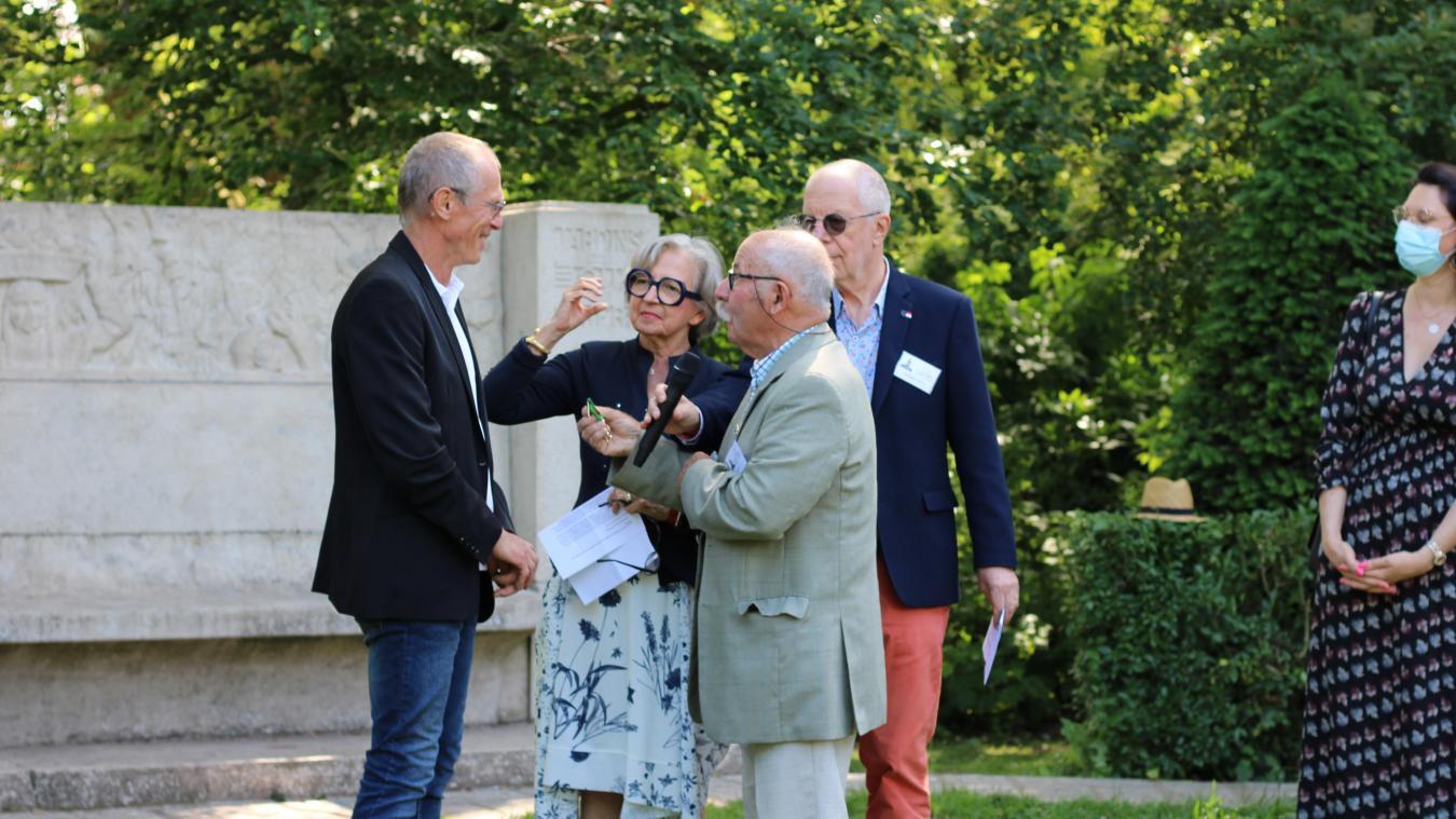 Ancien président des Jardins ouvriers, Jean-Luc Poulet a reçu cette distinction à l'occasion de l'hommage à l'abbé Lemire.