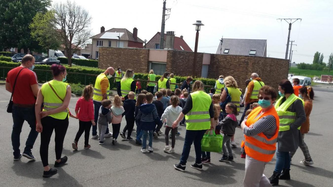 Les enfants de l'école publique ont rendu visite aux résidents de l'Ehpad le 28 mai dernier.