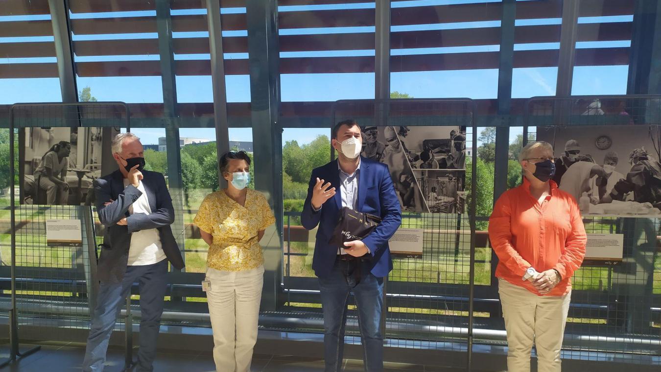 Monsieur Briaval, Caroline Hennion, Gauthier Martinez et Patricia Basset.