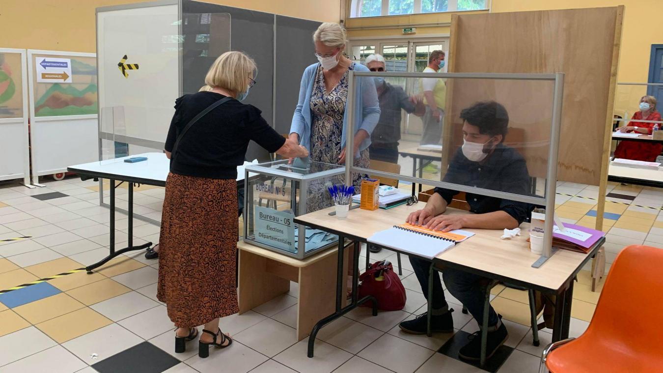 Vers 11 h, la barre des 10% de participation était franchie au bureau numéro 5 de Bailleul.