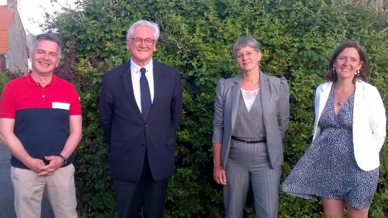 Jean-Claude Leroy, Blandine Drain et leurs remplaçants Christian Leroy et Estelle Doutriaux.