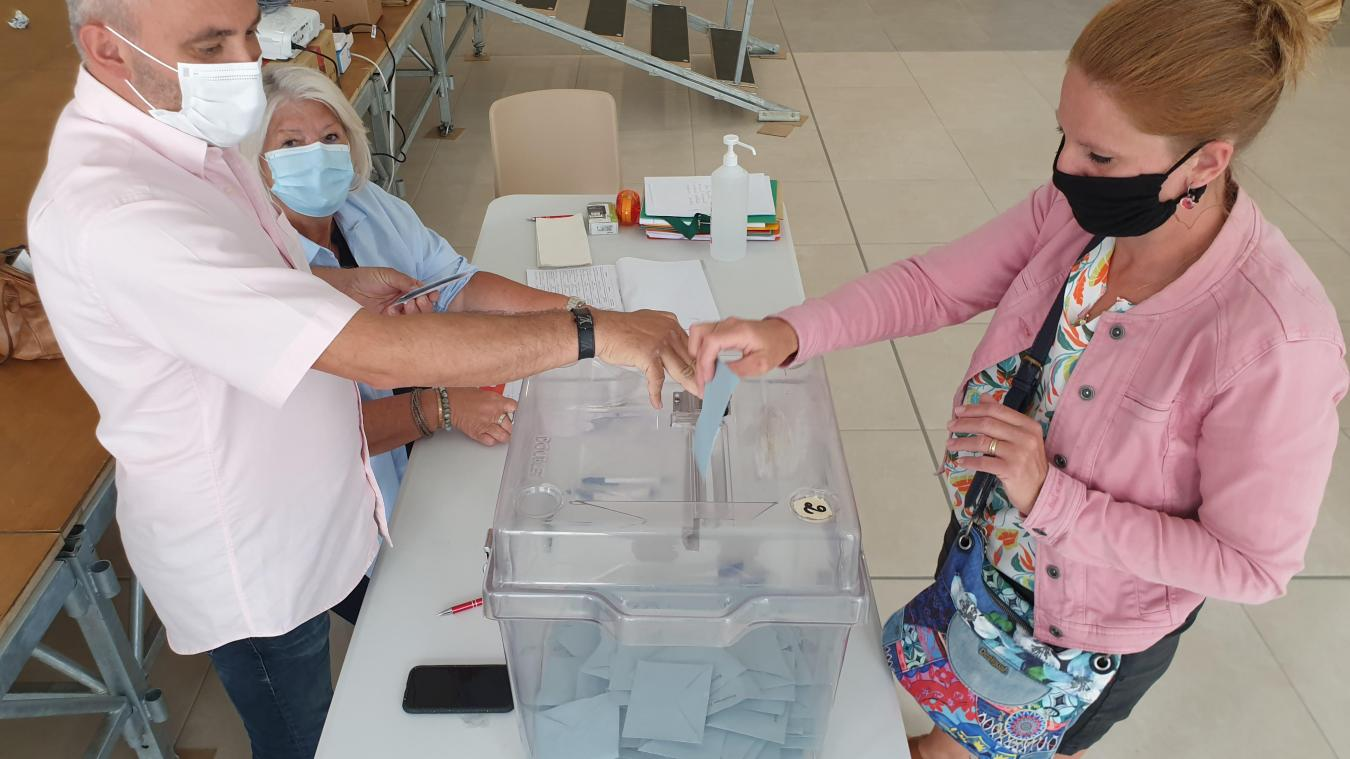 À Bapaume, chef-lieu de canton, la participation a été de %.